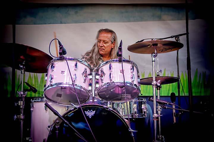 Larry Beers Drummer BIO